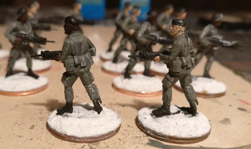 Auftrag der Hautfarbe bei den Herren des 7th Marine Regiment.