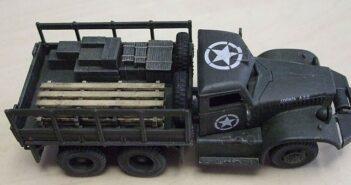 Die Brücke: Doncolors Diamond T 968 als Brückenbau-Fahrzeug seiner Pioniereinheit.