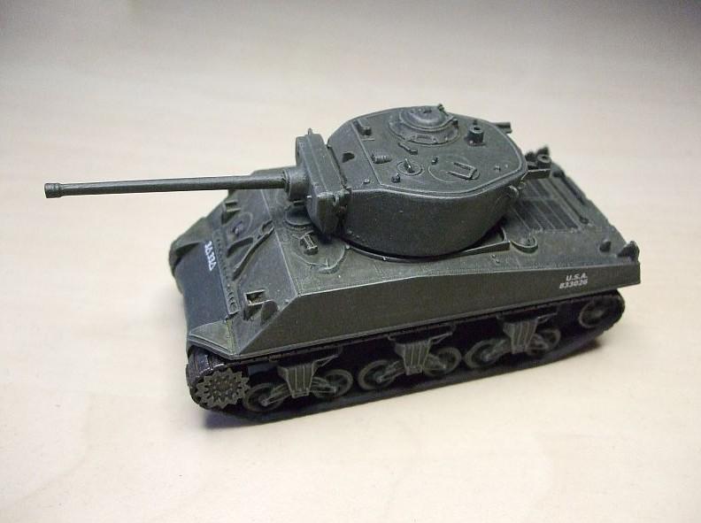 Einer der beiden M4A3E2 Jumbo Shermans mit 76mm Kanone. Italeri Fast assembly Kit´s 7520 mit längerer Kanone der M4A3 von Italeri.