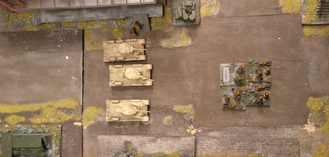 Die T-34 haben es auf die Granatwerfer abgesehen.