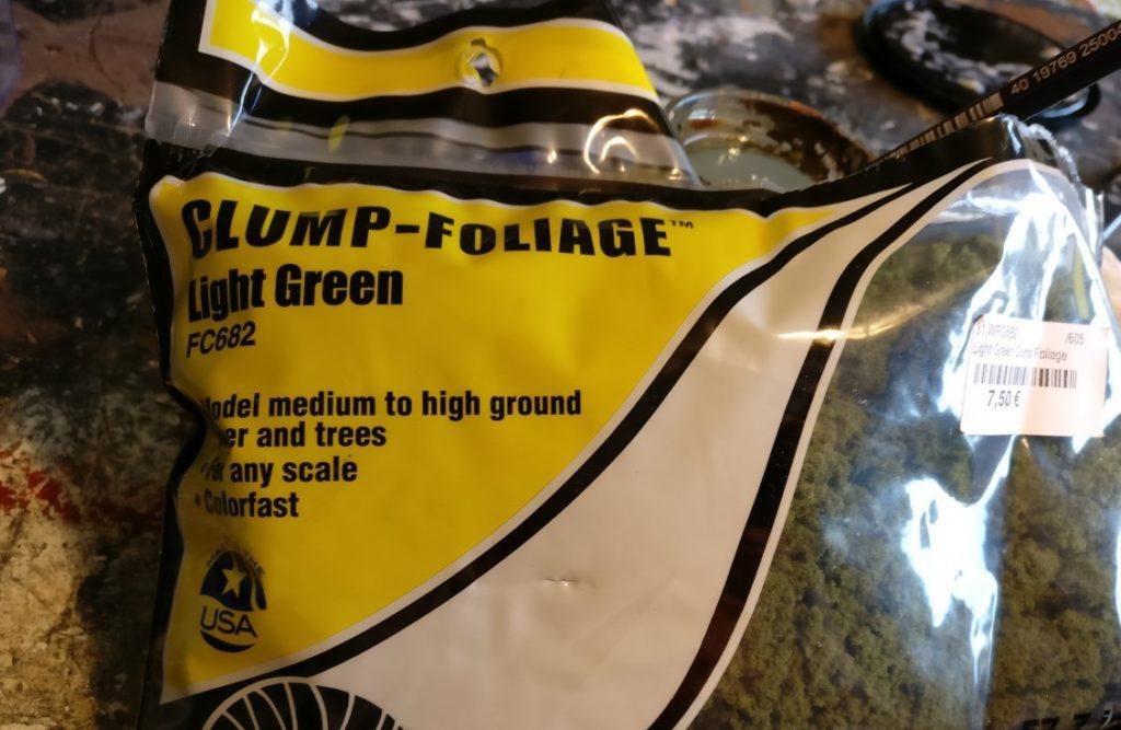 Hier das Clump Foliage, abgepacktes Buschwerk in größeren Gebinden.