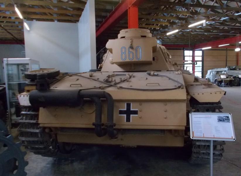 """PzKpfw III Ausf. M (Sd.Kfz. 141/1) """"Marlene"""" im Panzermuseum Munster."""