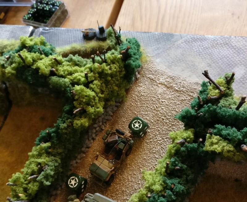 Einer der US-Sniper bewegt sich im Feld. Unsichtbar für den deutschen Spieler.