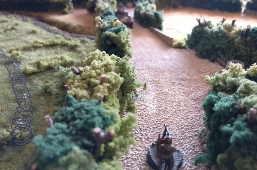Der MG-Schütze holzt auf den nur leicht gepanzerten M8 Greyhound... vergebens!