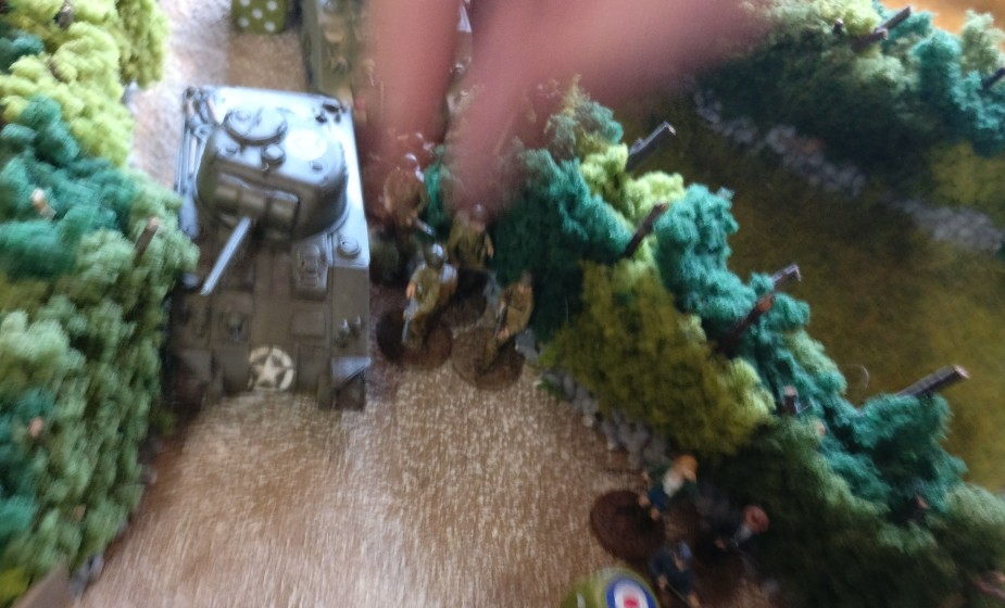 Der Schörmi wird durch einen Infanterietrupp geschützt.