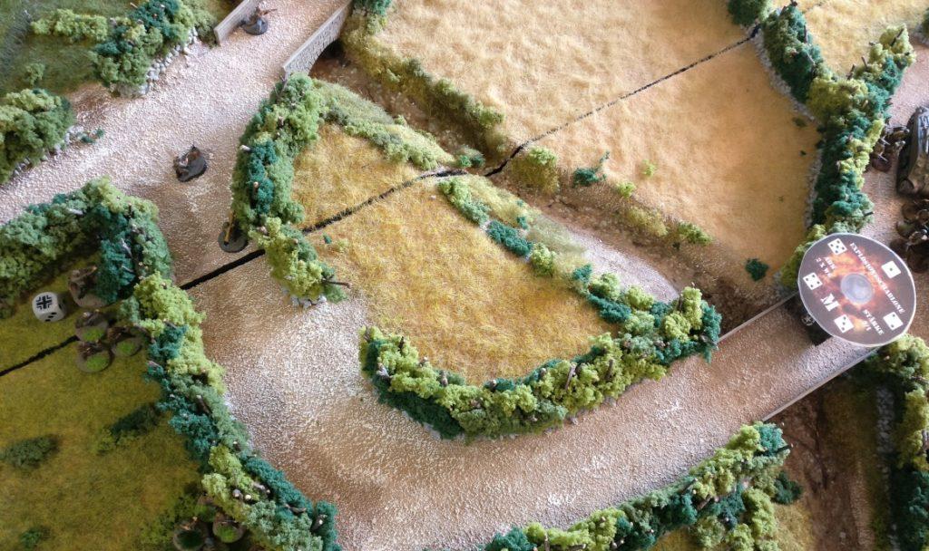 Der vierte Zug beginnt mit einem feuerschlag des deutschen Granatwerfer-Trupps auf den vorrücken den Schörmi.