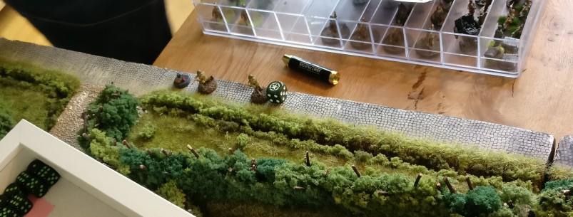 Ein US-Sniper bewegt sich im Gelände.