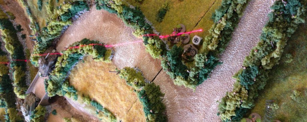 Der Granatwerfer-Trupp in Spielfeldmitte nimmt sich erneut den vorderen Sherman vor.