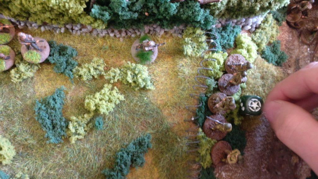 Die US-Infantry geht zu Beginn des sechsten Zugs zum Angriff über. Aus dem Bachbett heraus wird der Angriff vorgetragen.