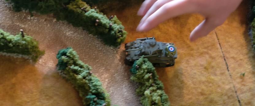 Der britische M4 Sherman rollt weiter.