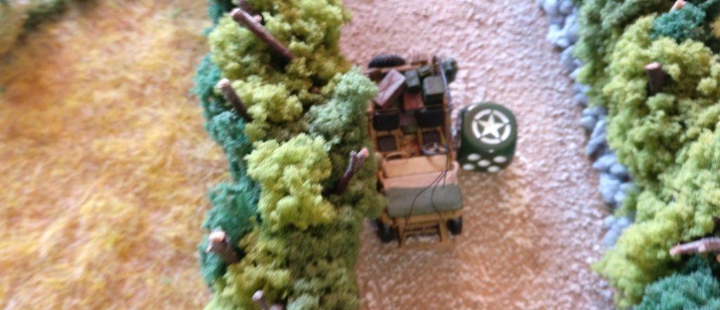 Der Jeep jagd weiter in Richtung Frontline.