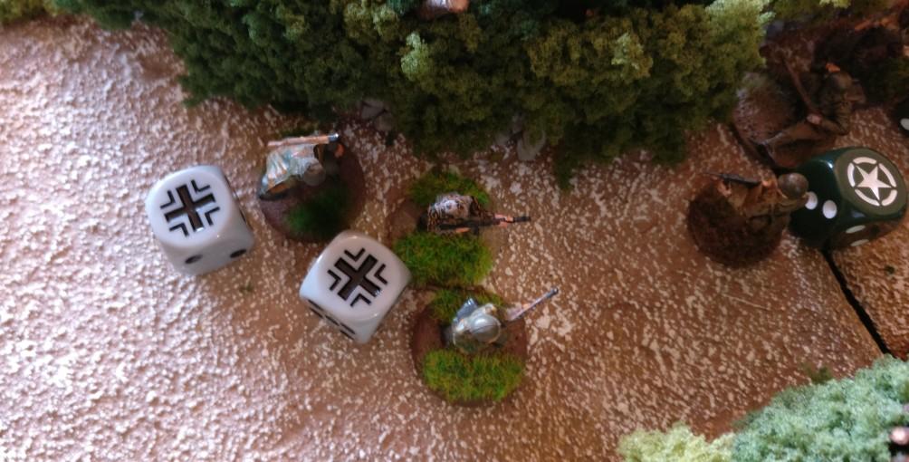 Der verbliebene Grenadier eines anderen Trupps schließt sich der Aktion an.