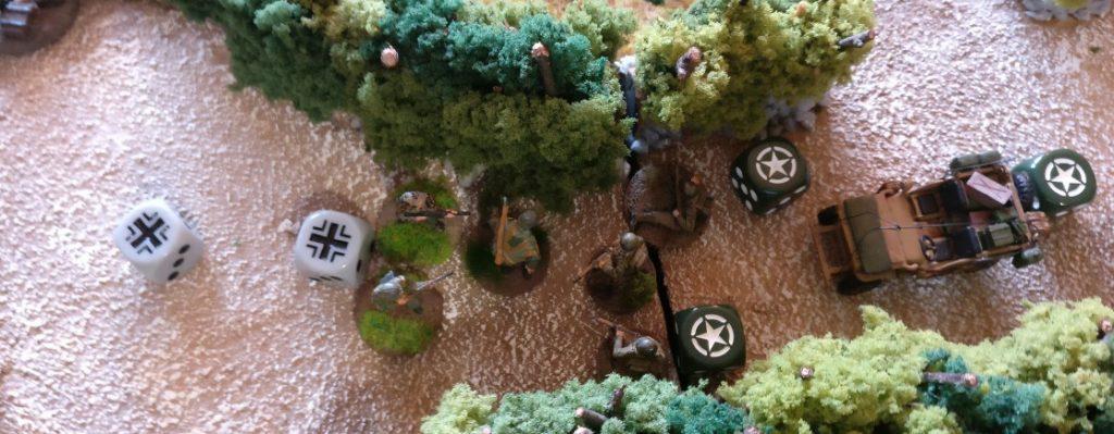Die Grenadiere erkennen die drohende Gefahr und nehmen das Vehikel unter Feuer.