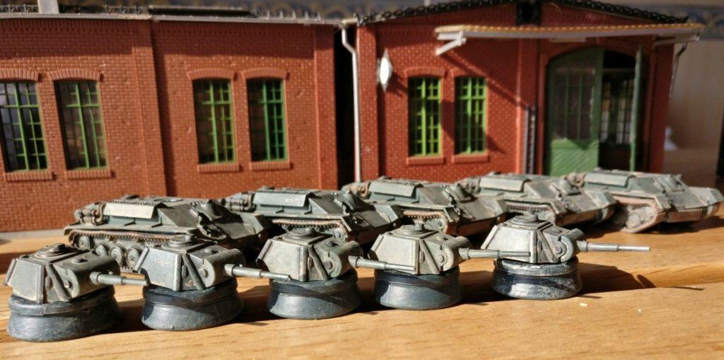 """Panzertürme stehen bereit für die Montage der T-70 in der Panzerfabrik """"Roter Oktober"""""""