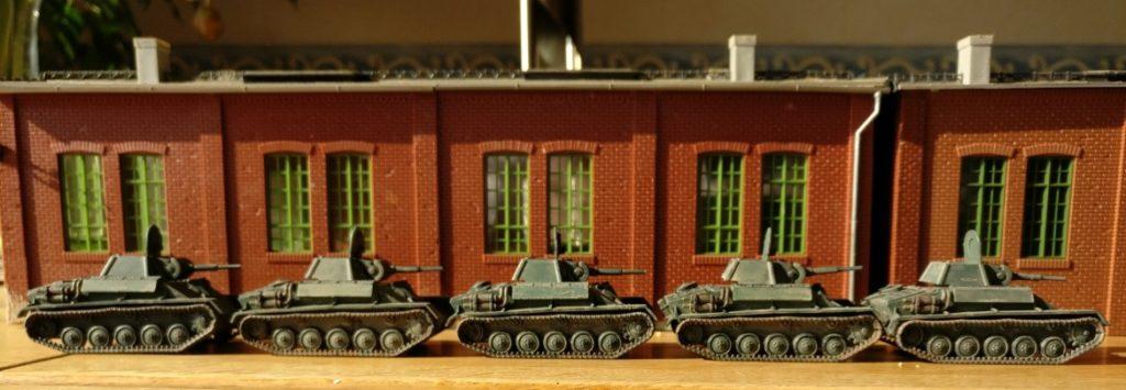 Erste T-70 sind fertig montiert und können aus der Fabrik direkt in den Einsatz rollen.