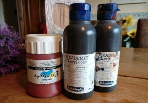 Künstlerfarben von Schmincke und Daler Rowney verwende ich für die Einfärbung der Bierdeckel.