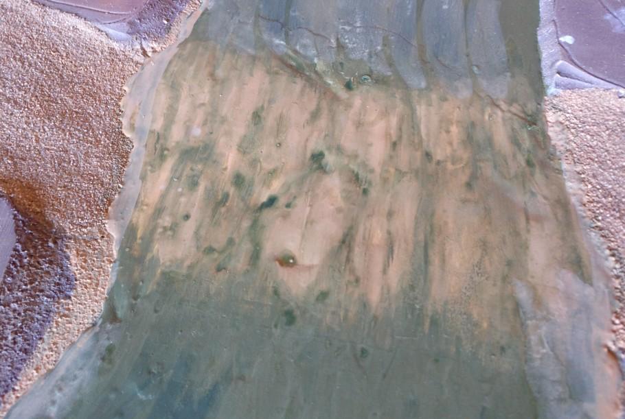 Die Furt lässt ebenfalls den Boden des Flusses an die Wasseroberfläche herantreten.