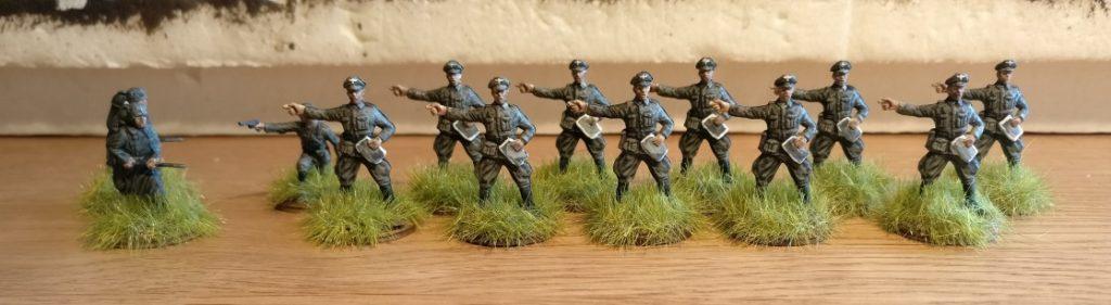 Das Grenadier-Regiment 57 steht bereits im Steppengras.