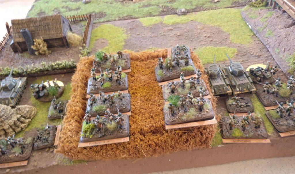Der linke, verstärkte Flügel der Roten armee. Zwo Infanterie-Züge und zwo Panzerzüge konzentrierten sich hier.