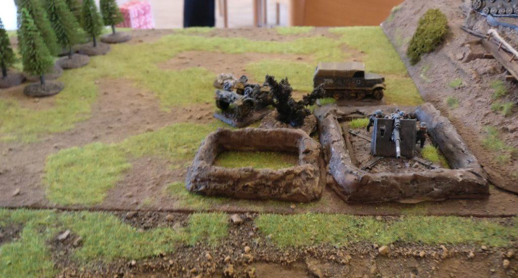 Auch der Trupp nahe der einen Acht-Acht-Flak fällt im Kugelhagel der Rotarmisten.