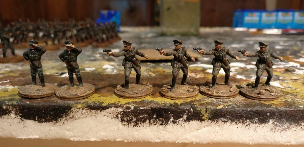 MG-Bataillon 17 und Kradschützen-Bataillon 40 erhalten sechs Offiziere hinzu.