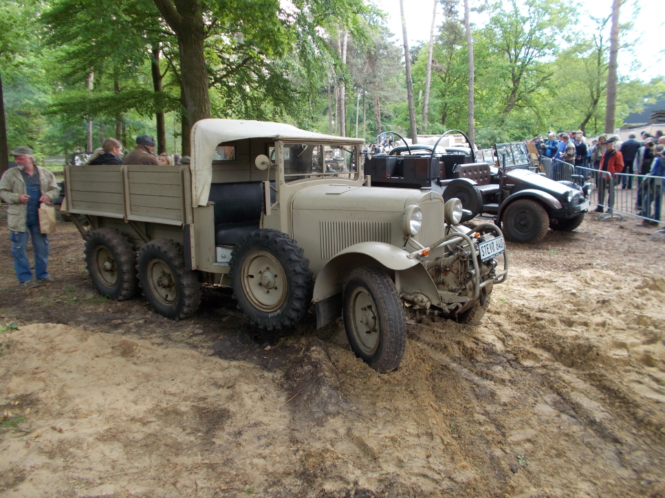 STEYR 640 1,5 T 6X4 auf der Militracks in Overloon