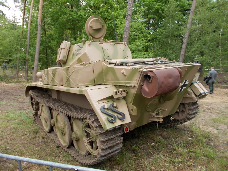 """""""Panzer-Spähwagen II (Sd.Kfz. 123 mit 2-cm-KwK 38) Luchs"""" auf der Militracks in Overloon"""