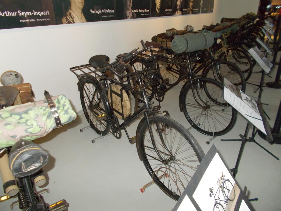 Ausstellung Truppenfahrrad auf der Militracks in Overloon