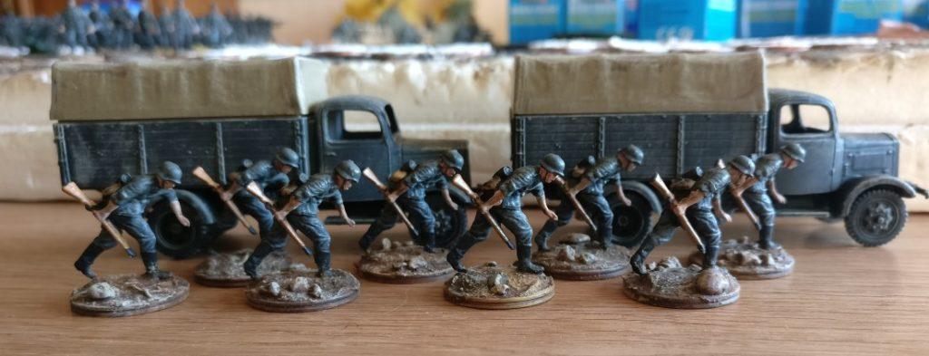 Die acht Schützen aus dem Revell Set 02511 German Armoured Infantry