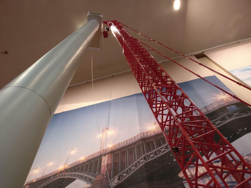 Gittermastmobilkran LG 1550 von Wilhelm Krawinkel bei der Montage einer Windkraftanlage