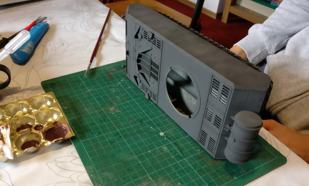 Panzer Maus auf dem Basteltisch.