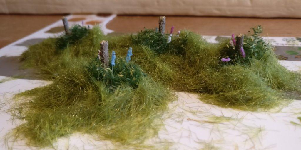 Auch bei den Lupinen wurde Gras zugesetzt.