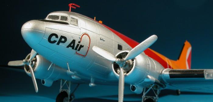 Rosinenbomber fliegen für die Eisenbahn: Eine DC-3 in den Farben der Canadian Pacific Air Lines