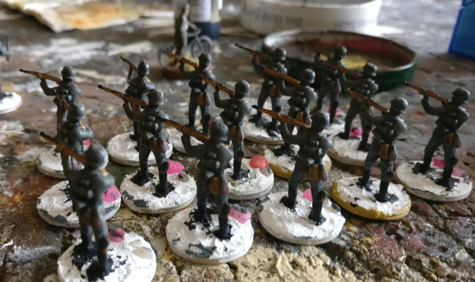 Einige ältere, noch  anstehende Arbeiten: fünfzehn Rifles für das Schützenregiment 1.