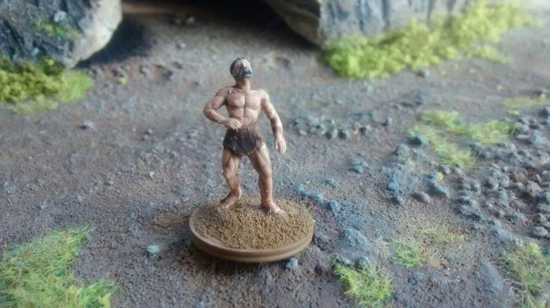 Der Herr mit der Steinschleuder. Der hat eine Reichweite von 15cm. Er kann ebenfalls nicht am Nahkampf teilnehmen.