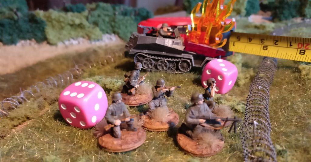 Erleidet die ausgesessene Infanterie keinen Schaden (  Sie führt einen eigenen Deckungswurf aus ) sollte sie dennoch aussteigen und in Deckung gehen.
