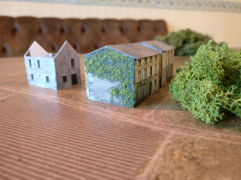 Ein größeres Gehöft zwischen Houffalize und Taverneux. Eines der Gebäude wurde bereits in die Gefechtshandlungen einbezogen.