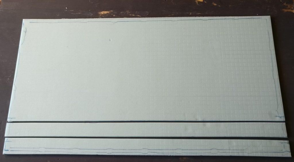 Hier ist der herausgeschnittene Streifen für das Gleis noch sichtbar.