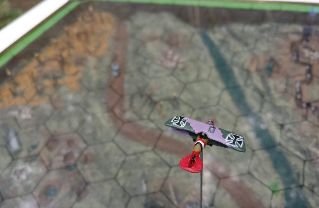 """Spielplatte """"Luftschlacht über Flandern"""" im Maßstab 1:300."""