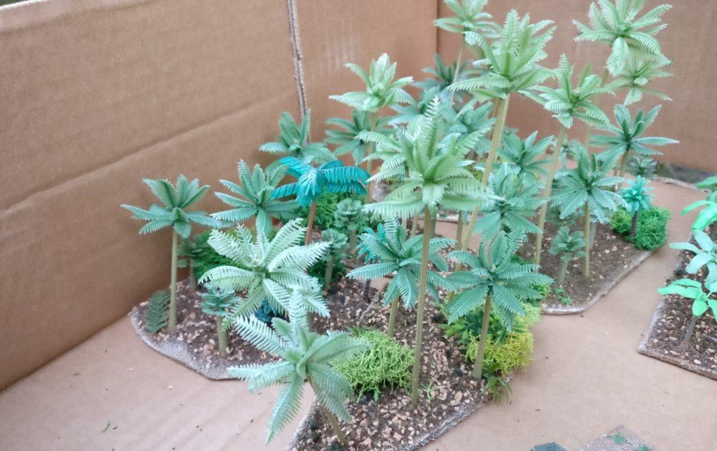 Blick in die Kiste: mehrere Stücke Urwald...