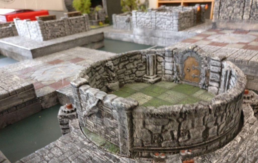 """""""Dunkelstadt""""-Spieltisch von Thomarillion auf der Table-Topia vom Asgard e.V. in Aschaffenburg"""