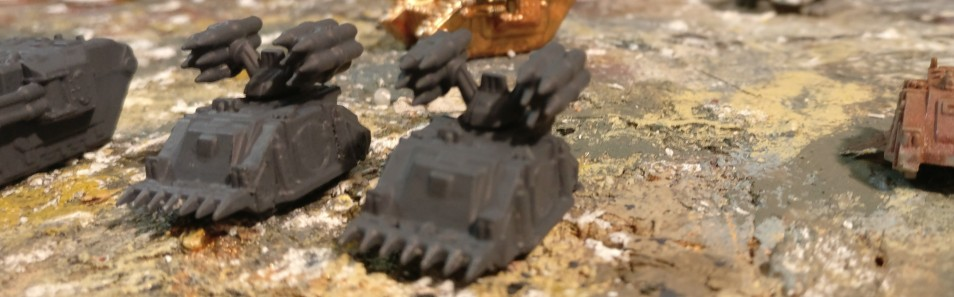 """Die Modelle des Sd.Kfz. 309 für die Sturmi Army werden mit """"Panzergrau"""" grundiert.  Hier das Sd.Kfz. 309 f."""