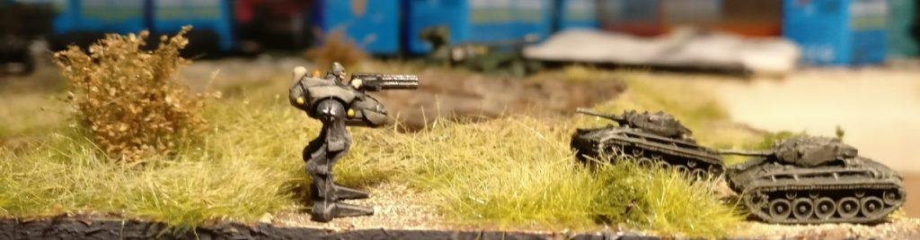 Krähenführer Stabsfeldwebel Schmittke hat die beiden M24 Chaffee im Visier. Denen pustet er mit seiner Kampfkrähe gleich das Licht aus, ehe die es sich versehen.
