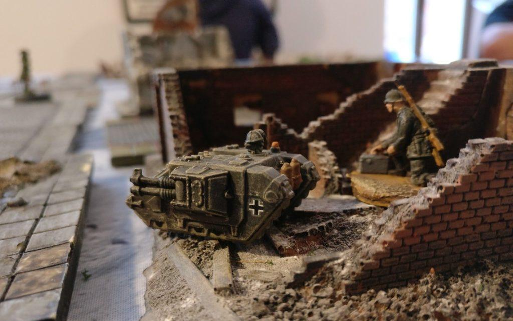 Hier ein Sd.Kfz. 309 Ausf. A auf der winterlichen Stadtplatte.