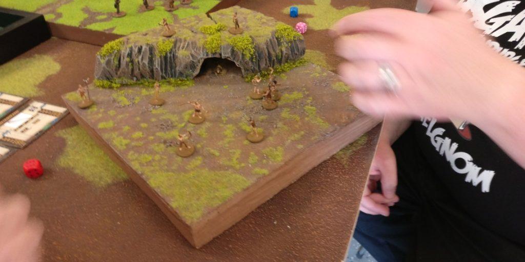 """Spieltisch """"Ugah-Ugah"""" (20mm) von Doncolor auf der Table-Topia vom Asgard in Aschaffenburg."""