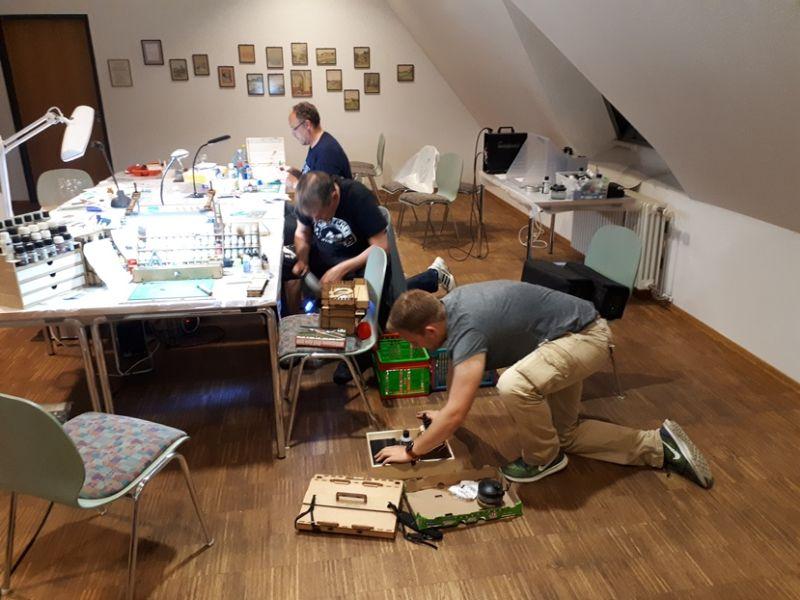 Foto-Impressionen vom Bastel-und Bemalwochenende auf Burg Solms