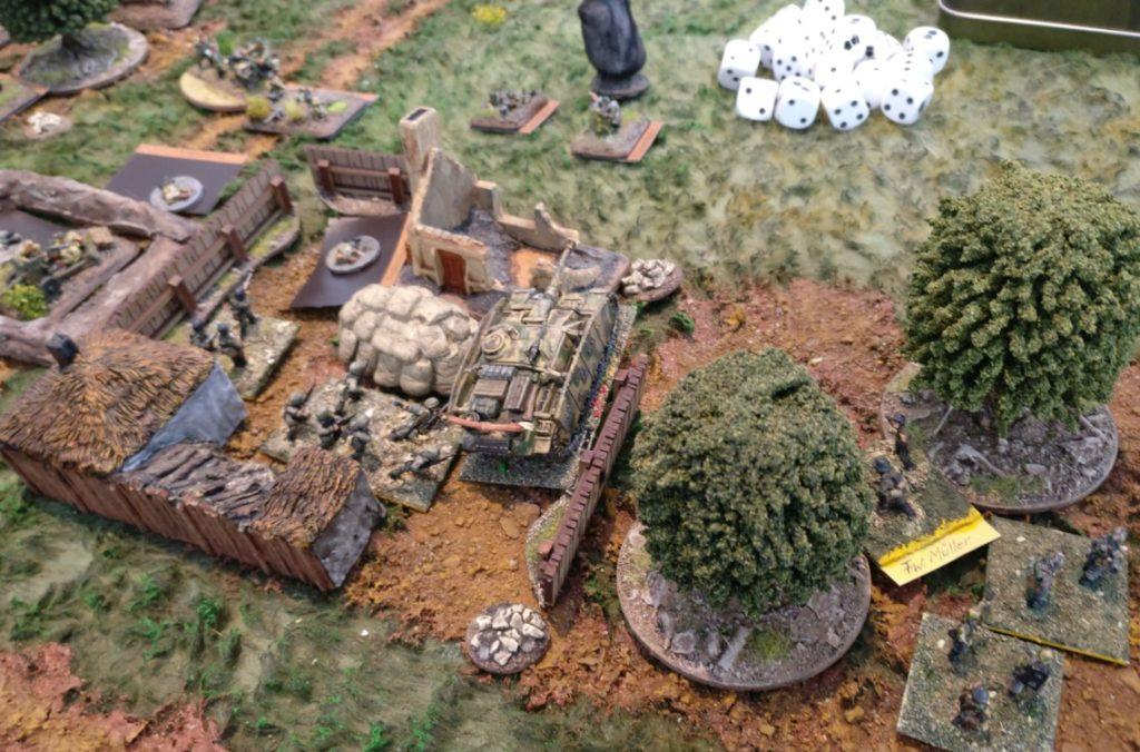 Der deutsche Assault schlägt durch. Das Gehöft wird erobert.
