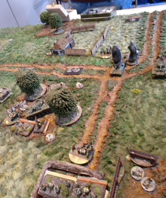 Das Areal am Gehöft wird wieder von russischen Truppen besetzt.