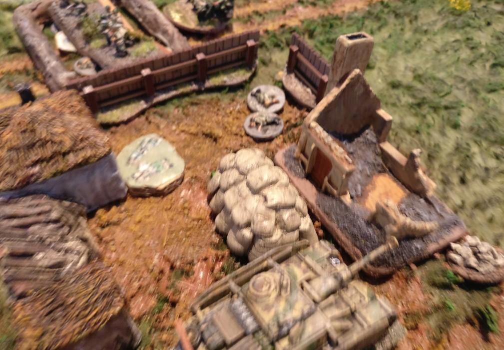 Das StuG ist nicht mehr von Infanterie geschützt.