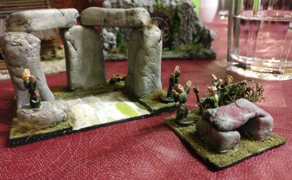 Der Altar mitsamt seinen Druiden ist herausnehmbar...